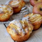 Deliziosi e morbidi muffin alle mele