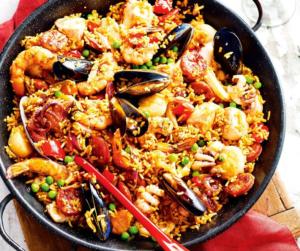 preparare paella carne e pesce
